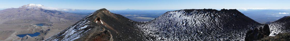 ● Te Araroa ●                    Continental Divide Trail  ● Pacific Crest Trail  ● Camino de Santiago /  Jakobsweg  ●